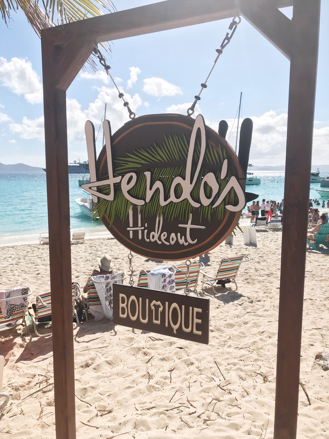 BVI Restaurant Guide - Where to eat out in the British Virgin Islands - Hendo's Hideout, Jost van Dyke